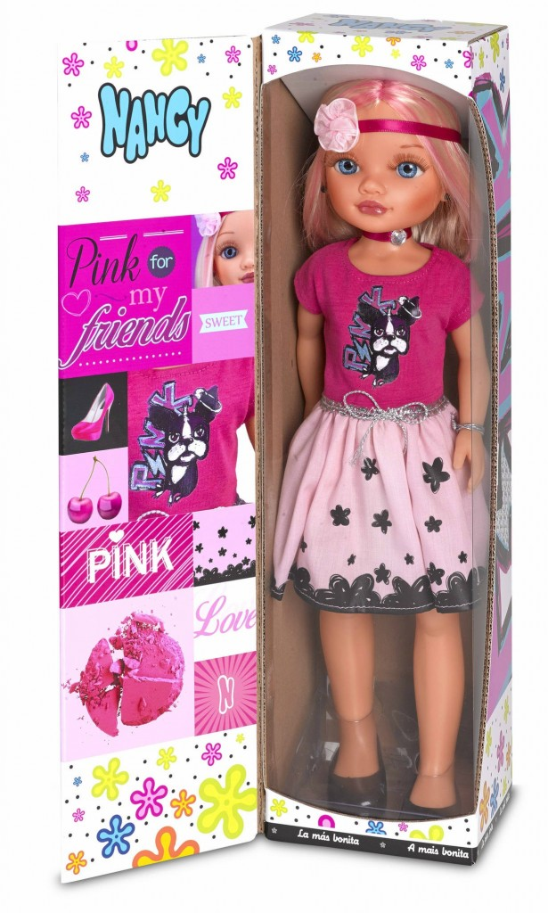 nancy-rubia-camiseta-rosa-comprar-falda-clara-7a